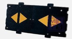 Vertrager 120x50x6cm rubber zwart met gele pijl